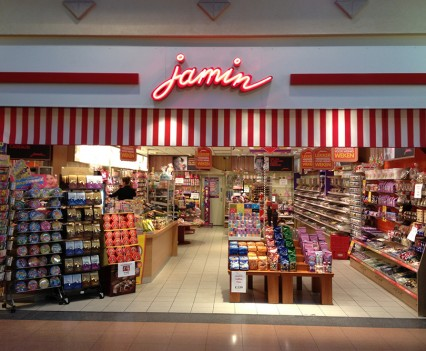 Verouderde winkelinrichting Jamin
