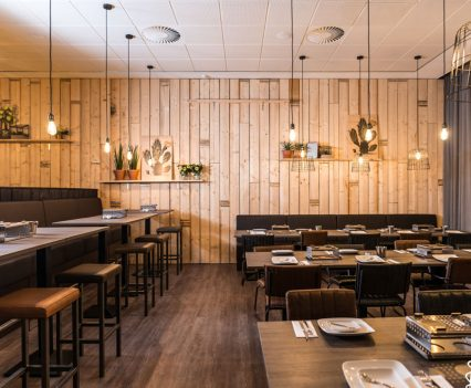 Restaurant krijtbord en hout