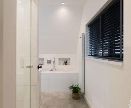Inkijkje in de badkamer